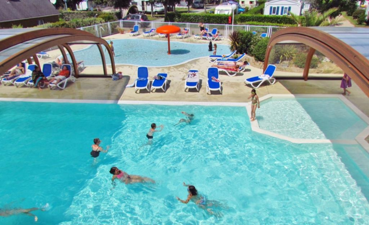 Camping guilvinec avec piscine camping bretagne sud for Camping normandie piscine couverte bord mer